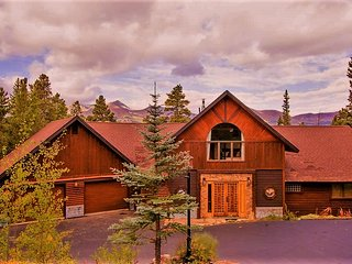 Space Wrangler Lodge    /     A Luxury Ski Chalet, Breckenridge