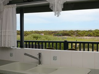Beach front cottage on the park, Jurien Bay