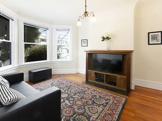 Furnished 2-Bedroom Flat at Dolores St & 15th St San Francisco