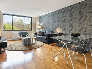 Furnished 2-Bedroom Apartment at Broadway & W 88th St New York, Nova York
