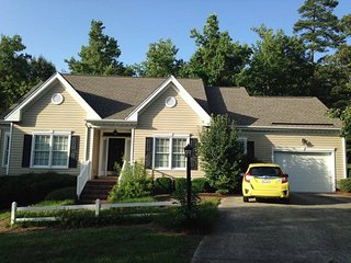 Dedham House-The Perfect Greensboro/HPT Location