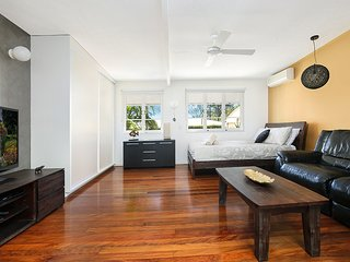 Coolum Retreat, Pet Friendly Holiday House