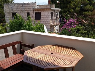 Spacious 2 bedroom apartment near town center in Split