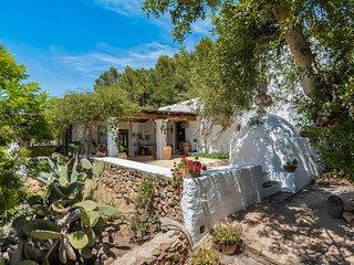 Traditional renovated villa close to town & beach, San Carlos