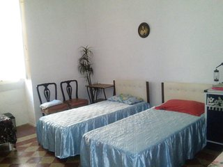Bus Stop, Near Valletta, for backpackers, price for one bed., Pieta