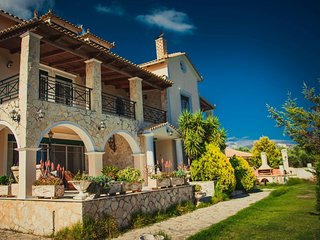 Eleni's 4-Bedroom Family Villa, Laganas