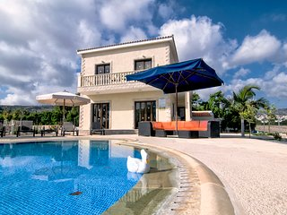Stunning Modern 3 BR Villa with private pool, Paphos