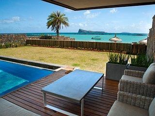 CORAL Villa, contemporary beach front villa