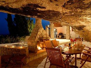 Villa Castle Rock, Peyia