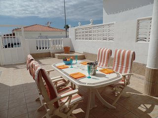 Tranquil Villa. Large 2 Bedrooms 2 En Suites. Sea Views. WiFi. Callao Salvaje.