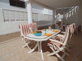 MAG5798341| 2 Bedroom 2 En Suite Villa. Sea Views. WiFi. Callao Salvaje.