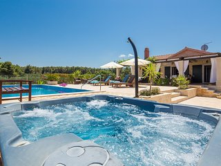 Beach Villa with Pool Island Brac