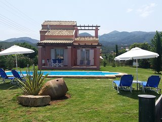 Maisonette s close to the sea with a private pool!