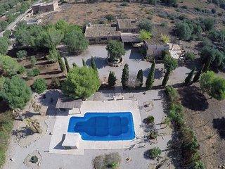 Villa Canaus, con gran piscina.