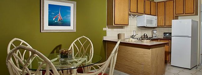 Fully equipped kitchenette w/ everything you need to prepare any meal.