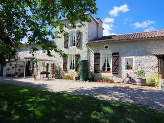 COTTAGES DE GARRIGUE. Self catering in Dordogne