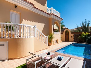 Villa for 6 with Private Pool in Sonnenland SG08, San Bartolome de Tirajana