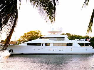 ' The Heron' Luxury waterfront * direct intracoastal * boat dockage available