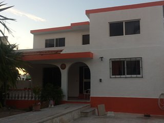 2 -Bedroom House for rent , renovated and close to the Playa, Progreso