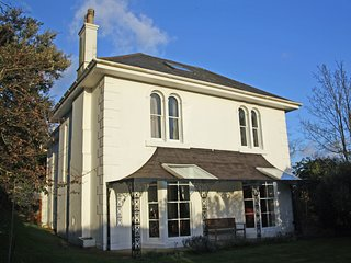 Stunning Victorian House - a home for all seasons, Totnes