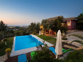 Luxury villa with private pool 5 min from the famous beach of Agio Ioannis.