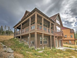 NEW! 3BR Fraser House w/ Spacious Private Deck!