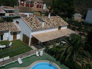 El Campillo, casa con piscina para grupos, Navajas