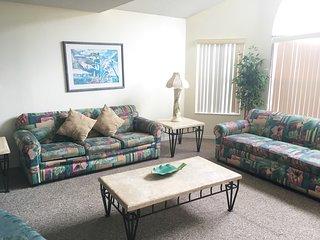 Tropical Escape- Vacation Home Near Disney, Kissimmee