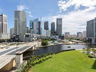 BEAUTIFUL APT IN DOWNTOWN MIAMI 4 PPL, Miami