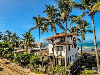 Casa Baronesa Waterfront Villa, Puerto Villamil