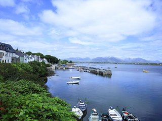 Roundstone Village - Elegant, modern, stunning panaromic views over Roundstone