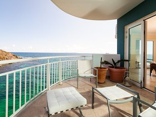 LIGHTHOUSE 5B... 2BR 5th floor condo with views of both the ocean and Oyster, Philipsburg