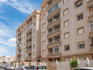 Appartement,super bien équipé pour long séjour,WIFI free, piscine,900M plage