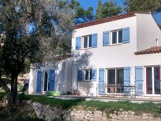 Location villa 12 personnes 220€(vacances, entreprises)