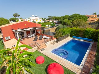 Charming Home in Peaceful Location, Quarteira