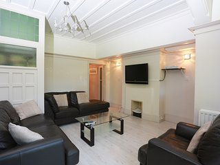 BOURNECOAST: 5 BEDROOM STUNNING MANOR HOME - HB1563