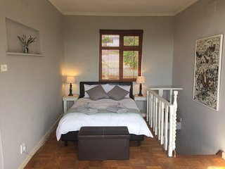 SELF CATERING APARTMENT IN CAMPS BAY, Clifton