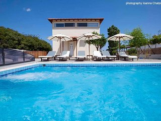 Villa Nefeli , luxury villa with private pool, Kiotari