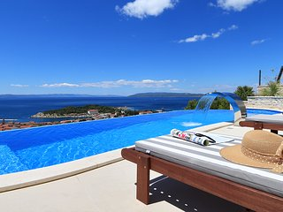 Villa Afrodita 1 - Luxury 5* villa - private pool, sauna, Jacuzzi and grass lawn