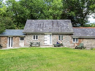 Shippen Cottage - sleeps 4/6 with wood burner, Herodsfoot