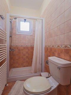 Studio 102 First Floor Bathroom