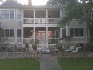 Lake Oconee lakefront home, Eatonton