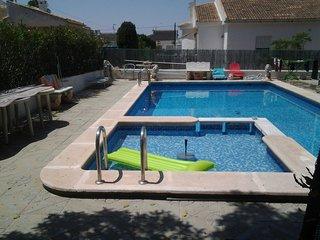 Haus mit Pool und Garten für Ferien mit Hund, Torrevieja