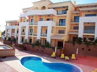 1Bed apartment w/ free wifi 800m from the beach, Olhos de Agua