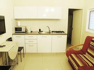 One-bedroom apartment near the Sea Sokolov 1211, Bat Yam