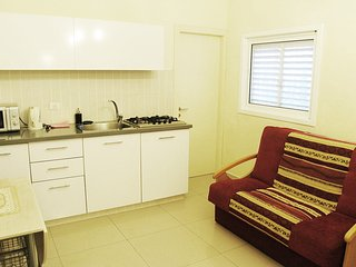One-bedroom apartment near the Sea Sokolov 12/1-1, Bat Yam