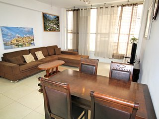 50 m from the sea Erushalaim 125, Bat Yam