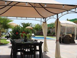 Modern 2BR/2BA Apt. in Luxury Pool Villa, Torrox