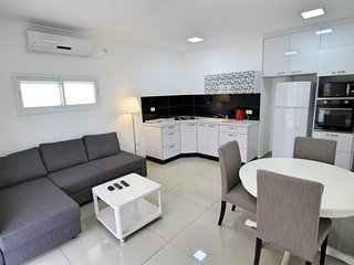 2 bedroom apartment Balfour 35, Bat Yam