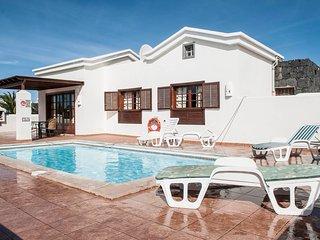 Villa Diañe in Playa Blanca Faro Park, Yaiza